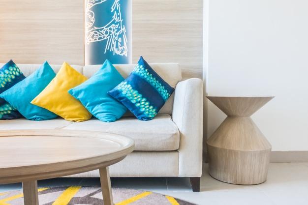 sofa-con-cojines-azules_1203-320
